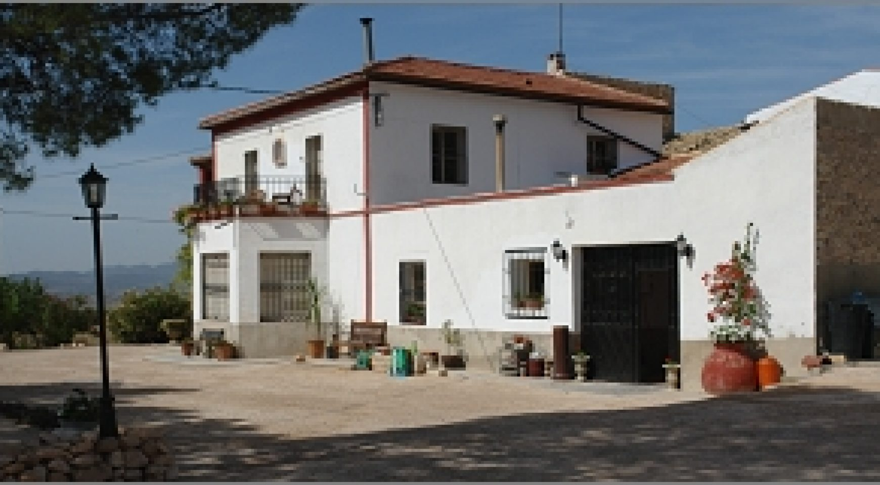 7 bed guest house for sale spanish country homes for Homes for sale with guest house