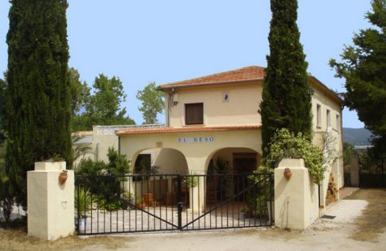 6 Bed Country House For Sale