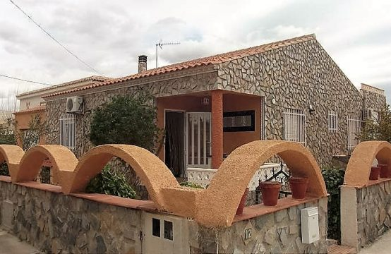 3 Bed Villa For Rent